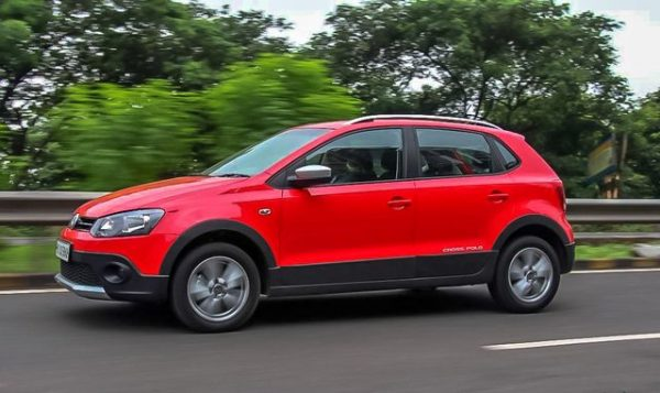 Volkswagen Cross Polo 600x357 - Bảng giá xe Volkswagen mới nhất tháng [hienthithang]/[hienthinam]